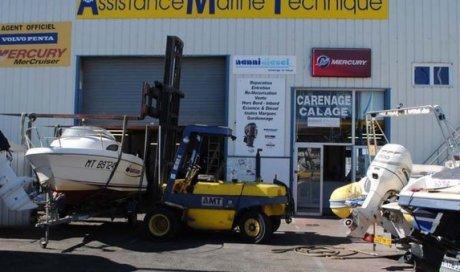 Réparation de bateau à Le Grau-du-Roi