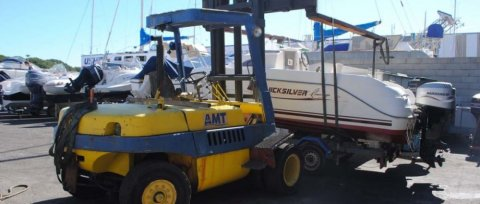 Entretien coque bateau Le Grau-du-Roi